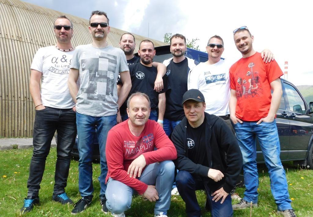 Folk Rock Army
